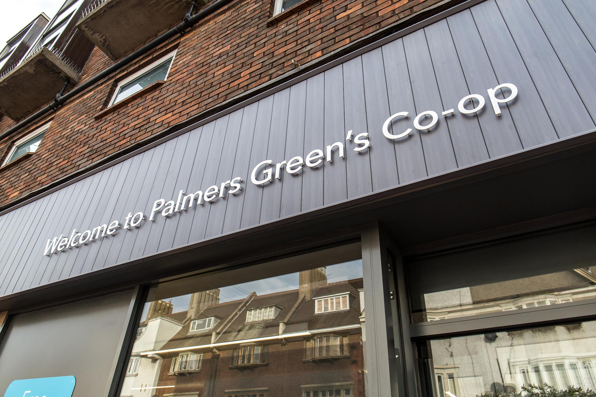 A photograph of Green Lanes - Palmers Green